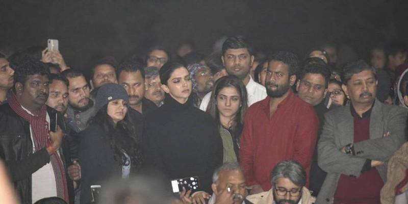Deepika at JNU