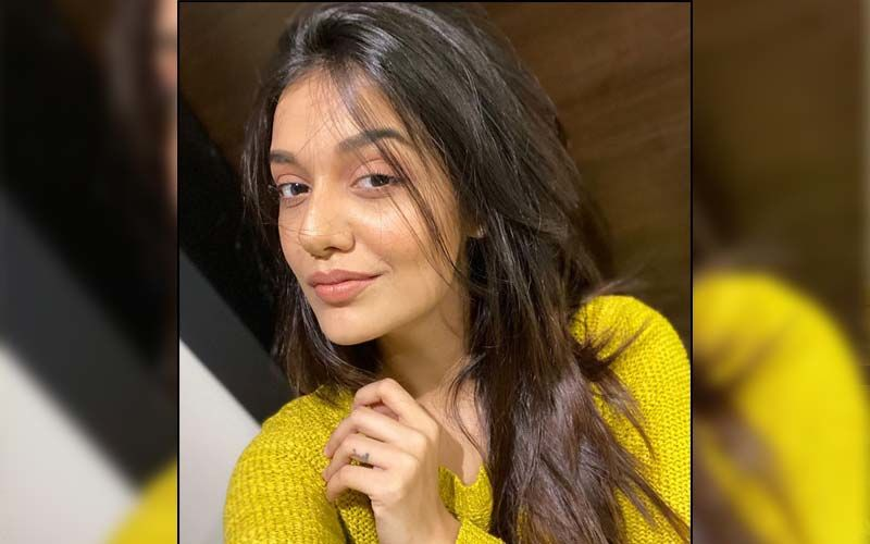 Divya Agarwal Gives A Befitting Reply To Trolls Who Criticised Her Latest Instagram Video For Being Too Revealing; Says 'I'm Worried About The Women Around You Perverts'