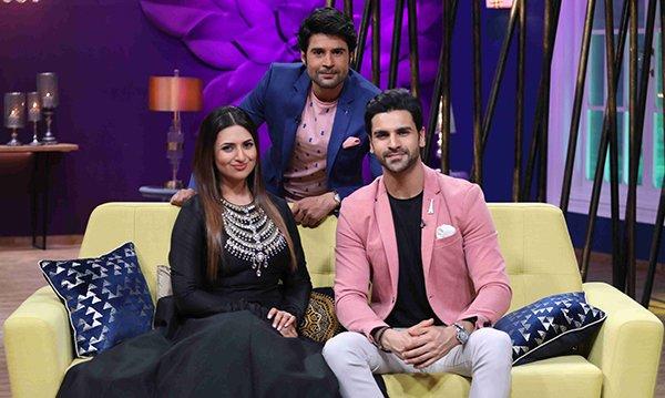 Divyanka Tripathi and Vivek Dahiya along with host Rajeev Khandelwal