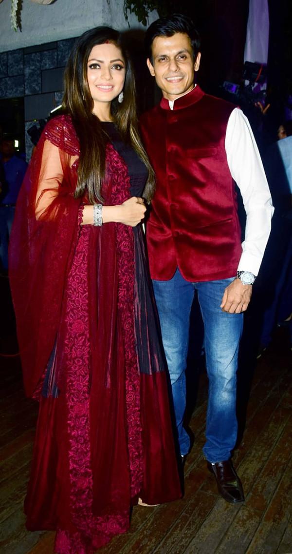 Drashti Dhami Spotted With Hubby Neeraj Khemka