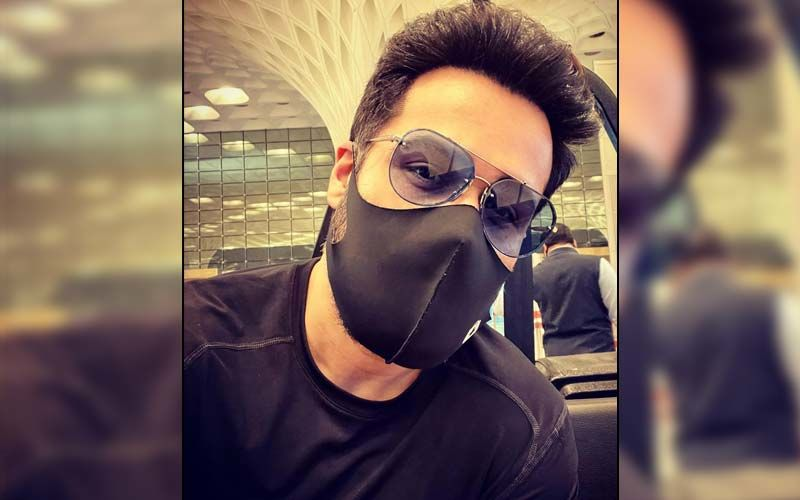 Emraan Hashmi Drops A Selfie As He Jets Off To Turkey; Fans Are Convinced He Is A Part Of Salman Khan Starrer Tiger 3