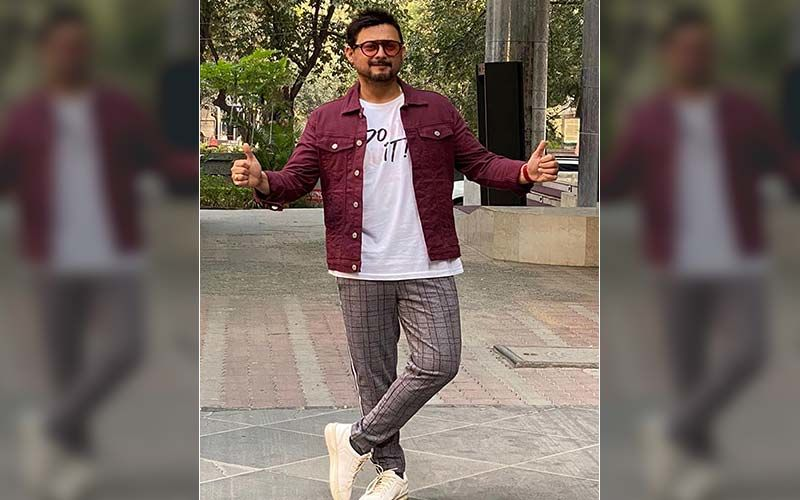 Lokmat Most Stylish Awards 2019:  Swwapnil Joshi Is Honored For His Contribution In Regional Cinema As The Most Stylish Celebrity