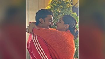 Christmas 2019:  Deepika Padukone And Ranveer Singh Pose For A Mushy Selfie; Bakes A Wholesome Christmas Cake