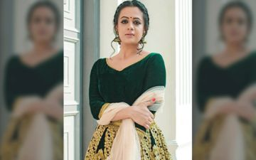 Spruha Joshi Looks Gorgeous In A Green Coloured Traditional Attire