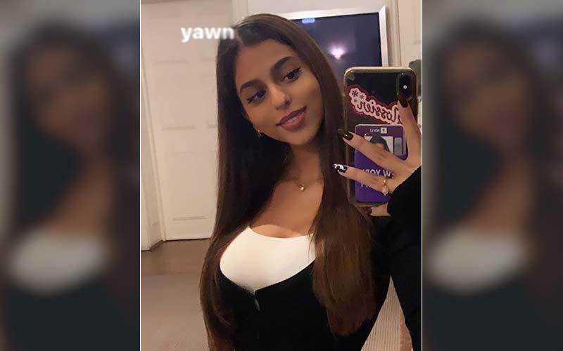 Shah Rukh Khan's Daughter Suhana Khan Drops A Gorgeous Mirror Selfie, Looks Alluring As She Flashes A Pretty Smile