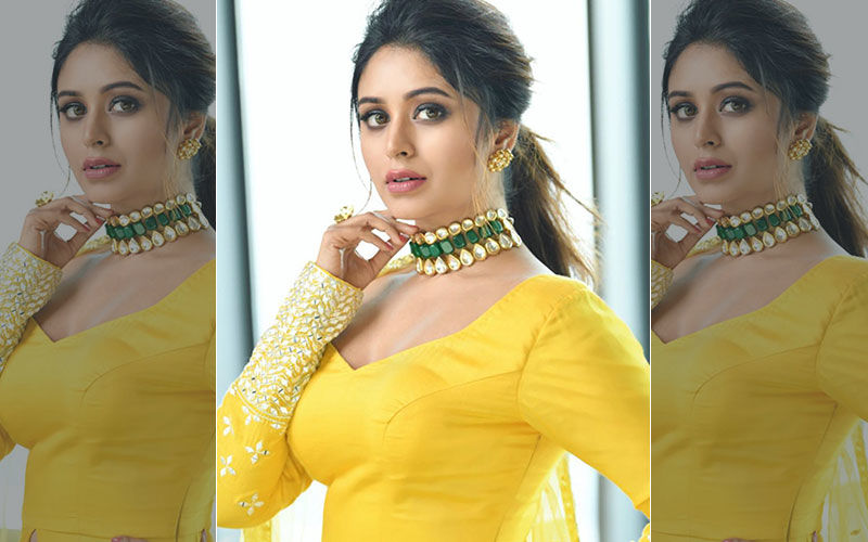 Ritabhari Chakraborty Looks All Dreamy In This Yellow Coloured Saree