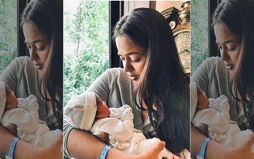 Sameera Reddy Brings Her Baby Girl Home; Li'l Princess Receives Warm Welcome