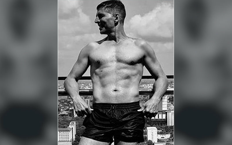 Akshay Kumar's Shirtless Picture On His Birthday Will Make You Question His Real Age