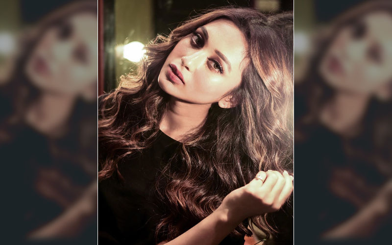 Mimi Chakraborty Looks Like a Vision in This Beautiful Outfit, Check Pic on Instagram