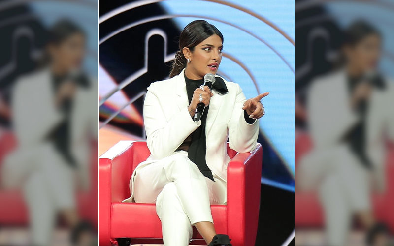"Pakistani Lady Yells At Priyanka Chopra At Beautycon LA: Actress' Response Wins Over The Audience, ""Girl, Don't Yell. We're Here For Love"""
