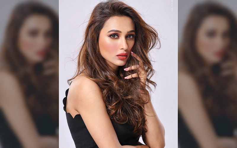 Mimi Chakraborty Raise The Temperature In Her Latest Photoshoot, Shares Pic On Instagram