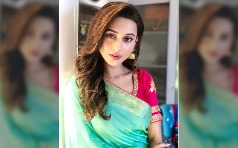 Mimi Chakraborty Looks Like A Dream In This Beautiful Saree, Shares Picture On Instagram