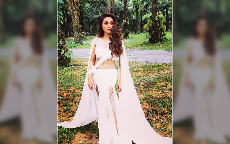 Watch Mimi Chakraborty Dancing And Playing With Her Dog, Shares Video on Instagram