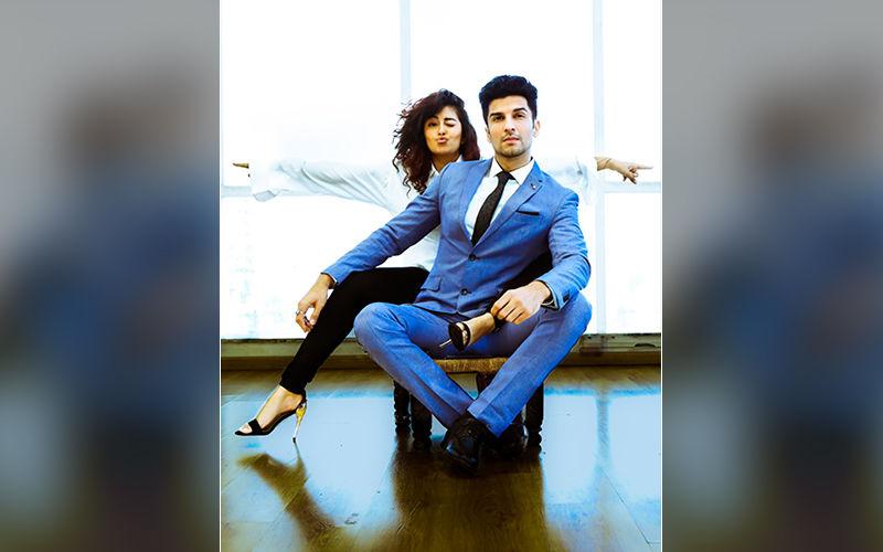 Sasural Simar Ka Stars Avika Gor And Manish Raisinghan Reunite Despite Differences