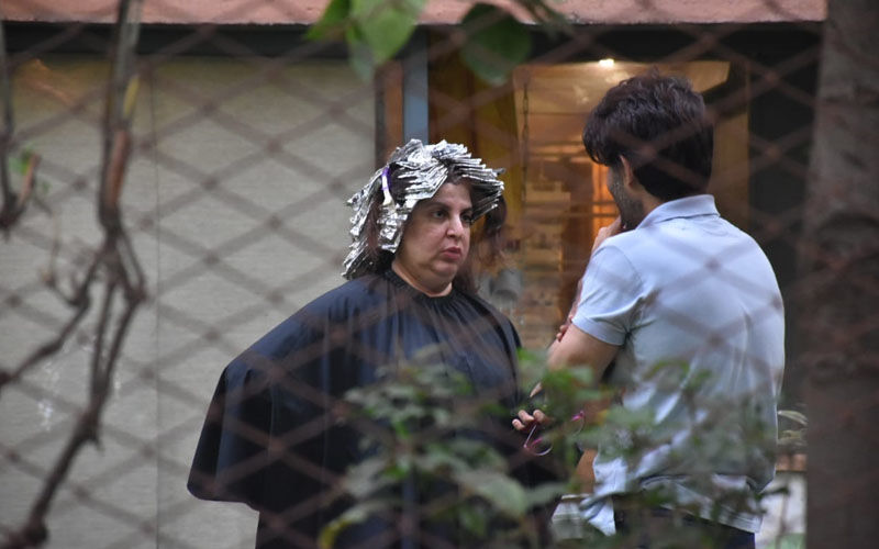 Farah Khan Is Ready To Surprise Us With A Hair Makeover; Has Her Tresses Wrapped In A Foil