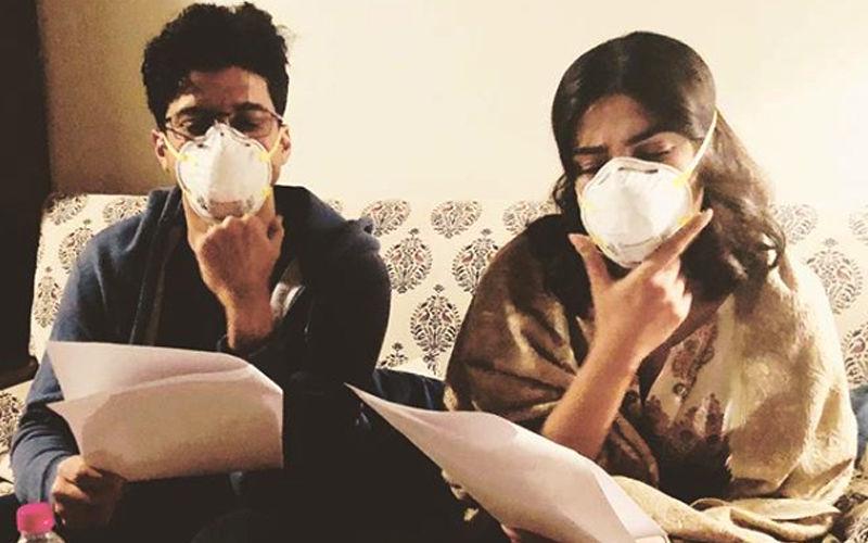 द स्काई इज पिंक:  दिल्ली के प्रदूषण से बचने के लिए मास्क का इस्तेमाल कर रहें  हैं प्रियंका चोपड़ा और फरहान अख्तर