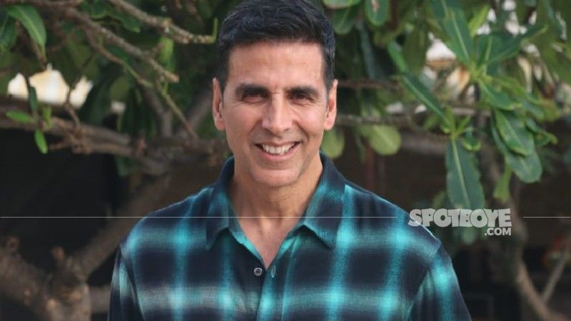 Akshay Kumar Ditches His Luxurious Car To Head To Work; Opts For A Bike And Jetty Ride Instead
