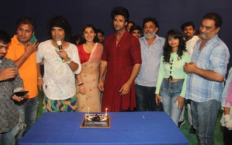 Bigg Boss 14 Rumoured Contestant Nishant Singh Malkhani Gets Emotional Bidding Adieu To Guddan Tumse Na Ho Payega- PICTURES