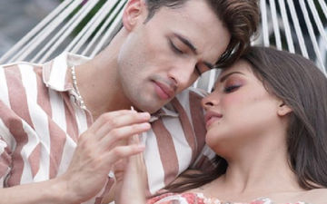 Himanshi Khurana Flaunts A Variety Of Diamond-Studded Rings On Instagram; Is It For Asim Riaz To Take Cues?