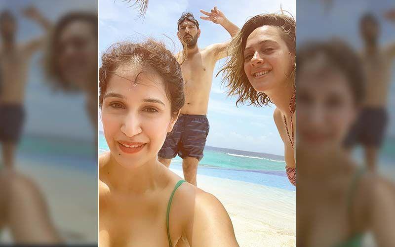 Yuvraj Singh Soaks In Vitamin Sea With Bikini-Clad Hazel Keech And Sagarika Ghatge In This Throwback Beach Picture