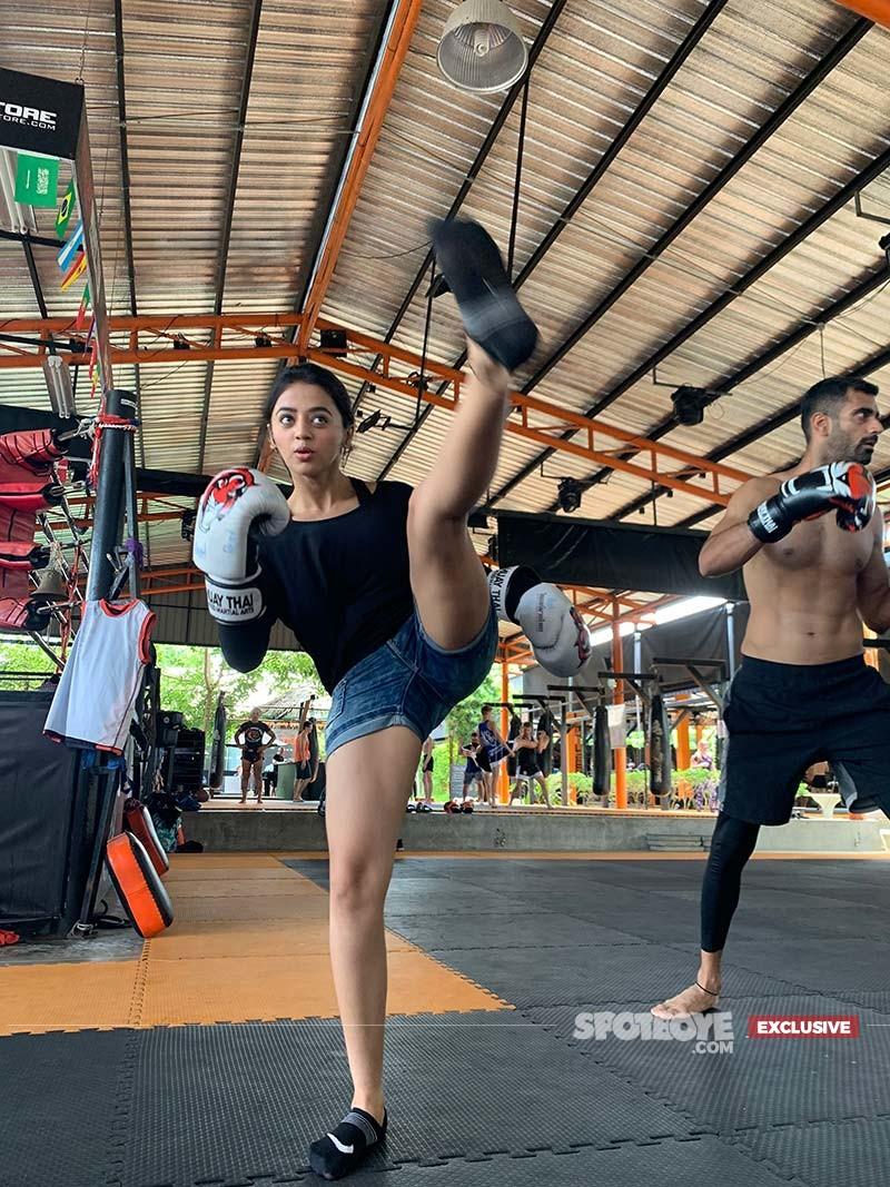 Helly Shah Muay Thai