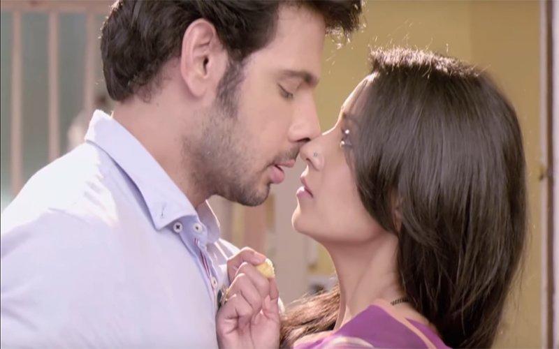 OUCH: Hot Lovemaking Scenes Between Barkha Bisht-Viraf Patel Chopped From TV Show Naamkaran