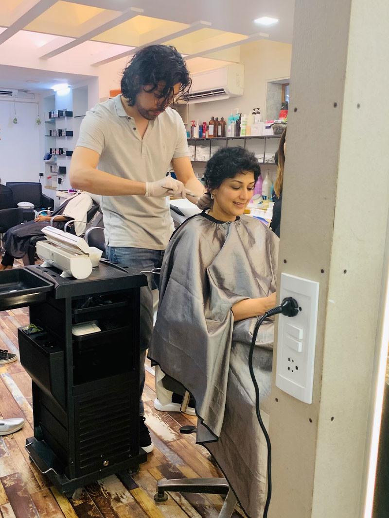 Sonali Bendre Hair Cut