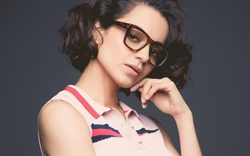 Is Kangana Ranaut Taking Baby Steps Towards Direction?