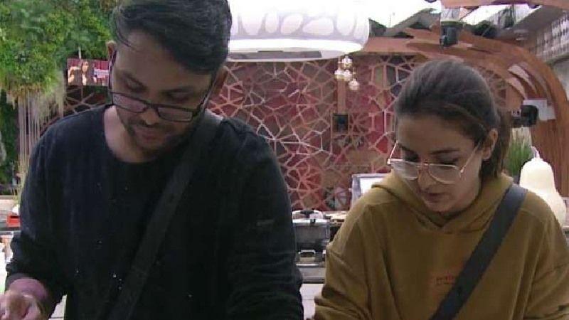 Bigg Boss 14 UNSEEN UNDEKHA: Jasmin Bhasin Has An Advice For Good Friend Jaan Kumar Sanu; 'Achhe Logon Ko Log Cherish Kam, Use Zyada Karte Hain'
