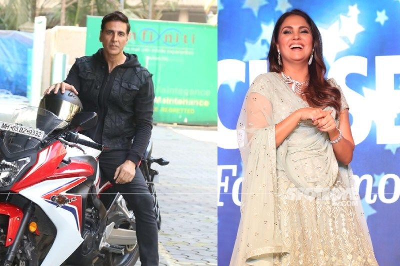 Akshay Kumar Follows Social Distancing Norms At Lara Dutta's House Party; Gives Her A Fist Bump Instead Of A Hug - SMART Level: Uno