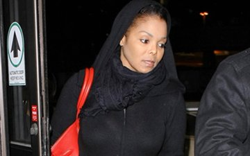 Has Janet Jackson Embraced Islam?