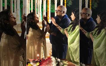 Janhvi Kapoor Turns 22, Celebrates Birthday By Cutting Cake With Boney Kapoor And Khushi
