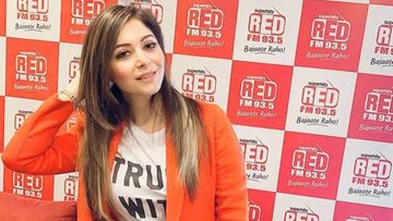 BREAKING: UP CM Yogi Adityanath Orders FIR Against Singer Kanika Kapoor For Flouting Government Advisory Against Coronavirus Outbreak