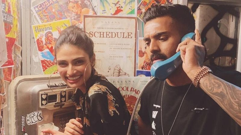 Athiya Shetty Baked A Cake For Rumoured Beau KL Rahul? The Cricketer Shares 'Expectation And Reality' Pics
