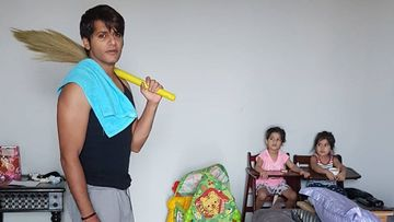 Coronavirus Lockdown: Karanvir Bohra Takes Charge Of The Jhadoo To Help Wife With Household Chores Amid Quarantine