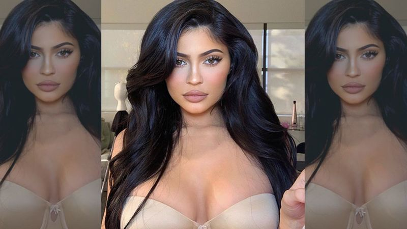Kylie Jenner Posts 'One Last Thirst Trap' Picture Before Entering 2020; Sizzles In A Hot, Lacy Lingerie In Her Bed - PICS
