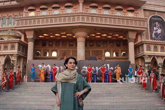 बेहद ही भव्य अंदाज में कंगना रनौत ने मणिकर्णिका के नए गाने 'भारत' को किया लांच