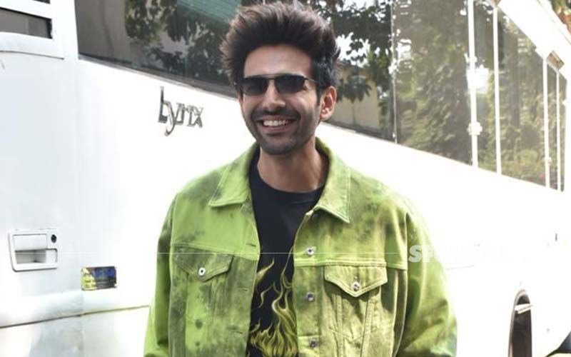 Kartik Aaryan Takes The First Dose Of COVID-19 Vaccine; Actor Greets Paparazzi With Folded Hands Outside Vaccination Center