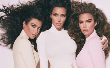 KUWTK: Kim - Khloe Kardashian UPSET With Kourtney Kardashian For Not Sharing Enough of Her Personal Life