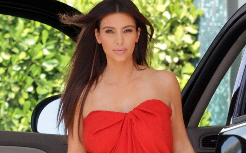 Kim Kardashian Survives Burglary After Being Held At Gunpoint