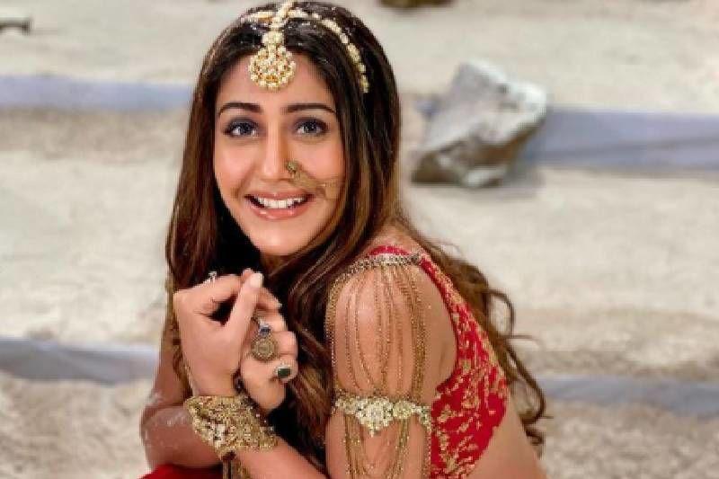 Naagin 5 Shoot Reaches 'Fake Switzerland'; Surbhi Chandana Shows Off Her 'Snow Main Fassi Naagin' Dance
