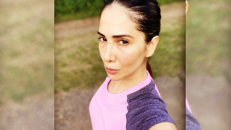 Kim Sharma's Reaction To Night Curfew As We Near The End Of December Is Hilarious AF
