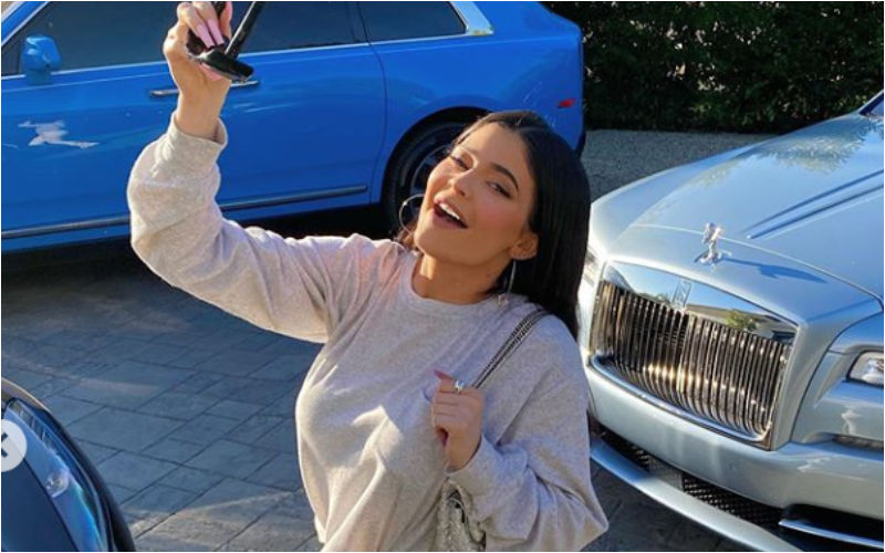 Kylie Jenner Puts A Halt To Sultry Pics, Shows Off Her Happy Mood Instead In Her Latest Post