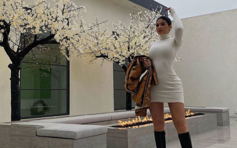 Kylie Jenner Slips Into A Knitted Beige Dress For Thanksgiving; Displays Her Hour-Glass Figure In Full Glory