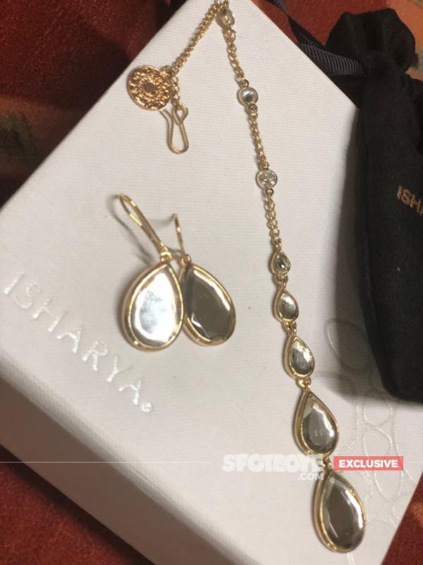 Maang Tikka With Earrings