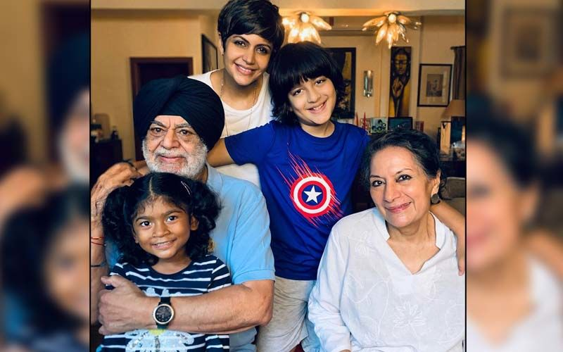 Mandira Bedi Is All Smiles As She Poses With Her Parents And Kids; Thanks Fans For Sending Love And Support After Husband Raj Kaushal's Demise