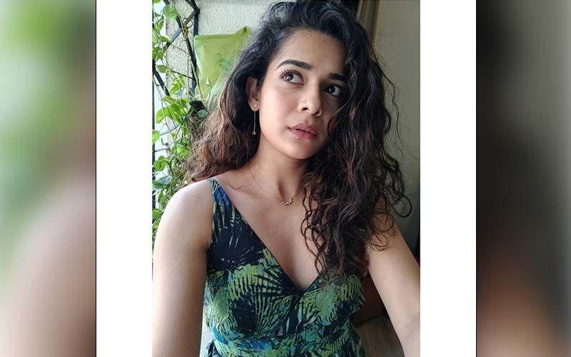'Karwaan' and 'Little Things' Actress Mithila Palkar Unravels Her Stunning Beauty Secret