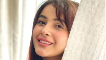 Shehnaaz Gill Oozes Confidence As A Pap Asks Her About Her New Ad Shoots; 'Abhi Toh Shuruaat Hai Bande' - WATCH