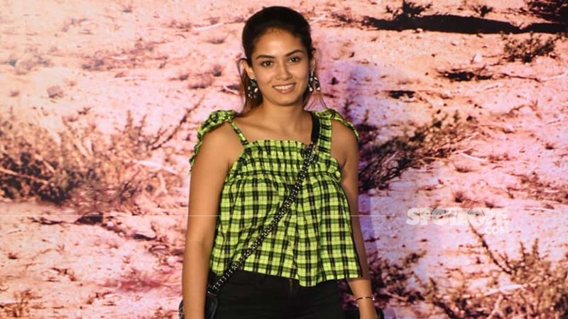 Mira Rajput Treats Fans With A Fun BTS Video From Her Sunday Shoot And It Is Unmissable - WATCH