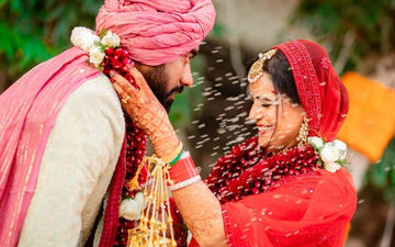 Newly Married Mona Singh Shares An Official Pic From Her Wedding; It Has Happiness Written All Over It